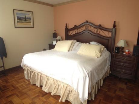 En Venta Departamento De 4 Dormitorios Sobre Calle Beni
