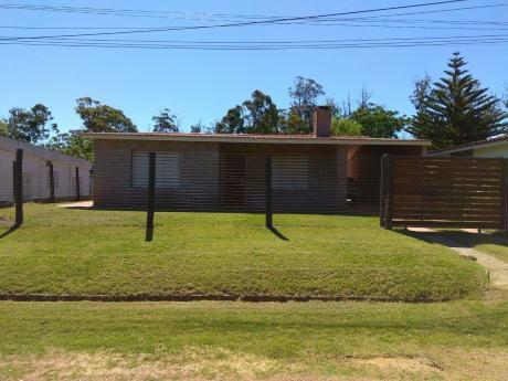 Alquilo Hermosa Casa En Costa Azul , Canelones