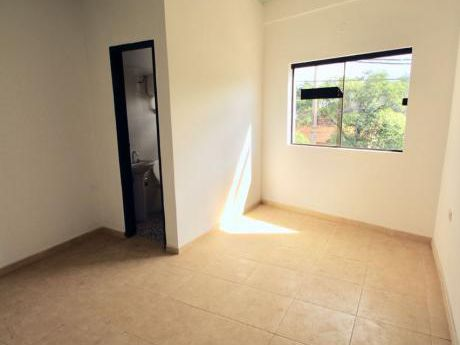 Alquilo Coqueto Departamento De 3 Habitaciones Zona Municipaliidad De Luque