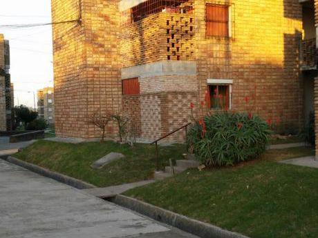 Apartamento En Alquiler En Complejo Cobena, Las Piedras.