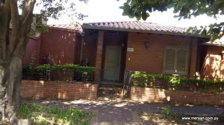 Casa En Esquina Toda En Planta Baja Zona Hiperseis (604)