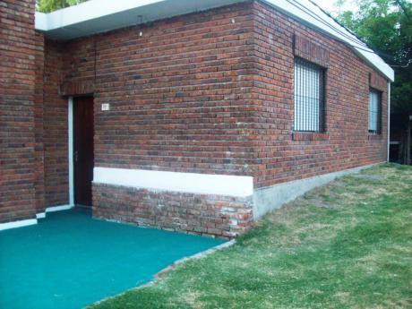 Casa En Zona Centro 3 Dorm-baño-cocina