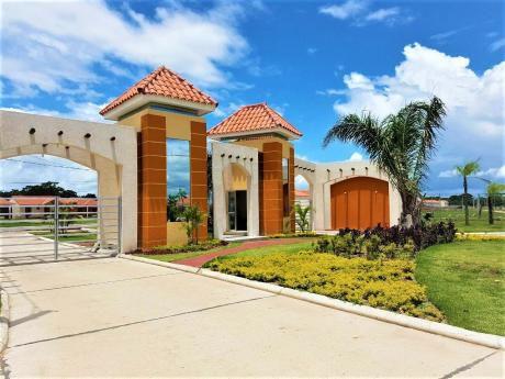 Hermosa Casa En Condominio Las Orquídeas - Satélite Norte