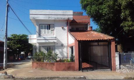 Casa En El Barrio Sajonia