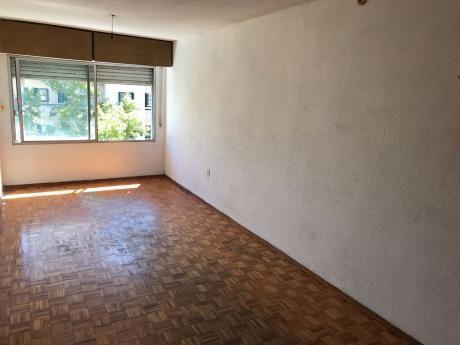 Oportunidad!!! Apartamento Monoambiente Al Frente En Tres Cruces.