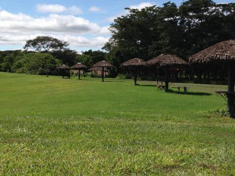 Exclusivo Terreno 1209mts Dentro La Urb Campestre  El Tajibo - Hotel Casa Campo