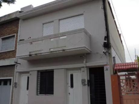 La Comercial, Casa De Altos, 3 Dorm. Reciclada Con Balcon Al Fte! Sin Gc