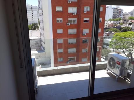 Amplio Apartamento De 1 Dormitorio En Pocitos