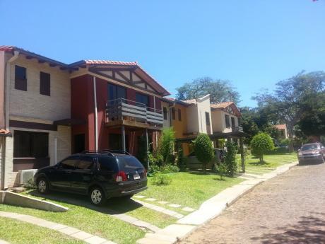 Alquilo Casa Grande En Barrio Cerrado De Villa Elisa, A Cuadras De Acceso Sur