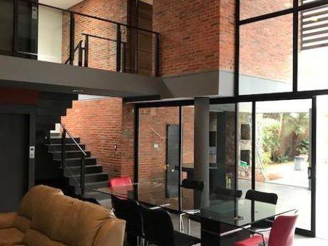 Casa Moderna Con Ascensor