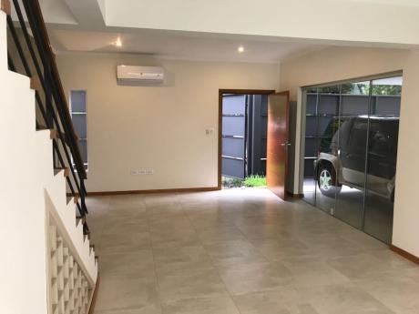 Vendo Duplex Barrio Herrera. 230.000 Usd. A Estrenar