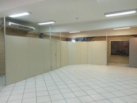 Alquilo Amplia Oficina De 2 Plantas En Villa Morra Zona Mcal. Lopez Shopping