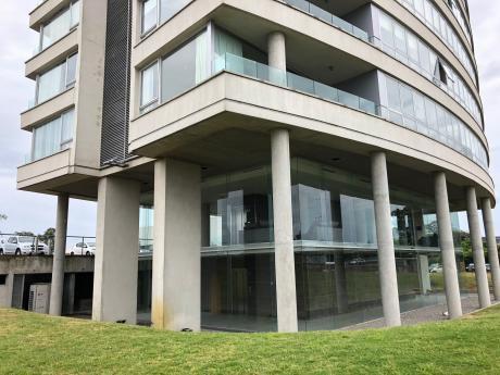 Edificio Faros De Carrrasco, Muy Moderno Con Increíble Vista