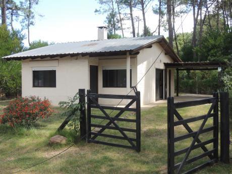 Excelente Casa A Estrenar En Piriápolis, Padrón De 905 M2