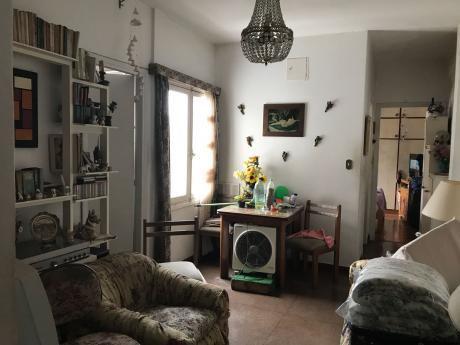 Apartamento En Cuarto Piso Contrafrente Super Luminoso