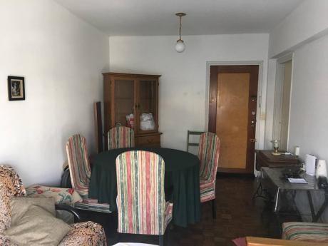 Precioso Apartamento En Tres Cruces Por Bv. Artigas 2 Dorm