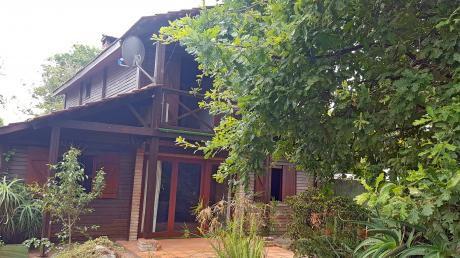 Casa Límite Con Pinares