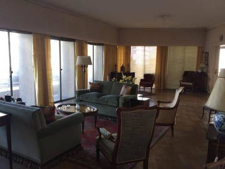 Apto De Categoría En Edificio Lincoln. Excelente Vista. 4 Dormitorios