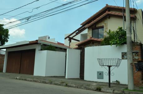 Casa En Venta De 4 Dom. Av. Beni Entre 2do Y 3er Anillo