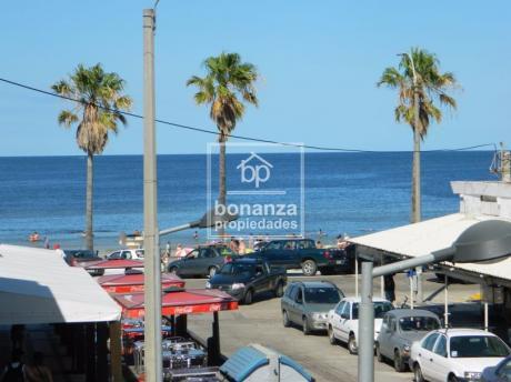 Oportunidad Hotel Céntrico A 45 M De La Playa De Piriápolis