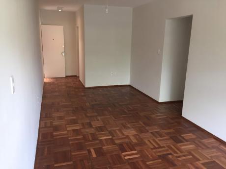 Dueño Alquila Apartamento Reciclado, Mejor Ubicacion De Carrasco, Gastos Bajos