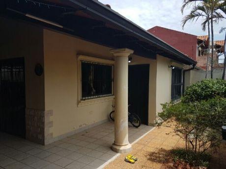Vendo Casa Barrio Trinidad - Asuncion (cod. 401)