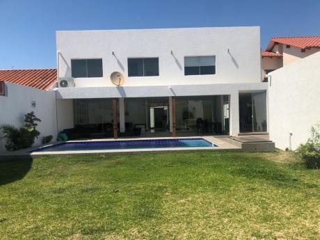 Hermosa Y Moderna Casa En Venta