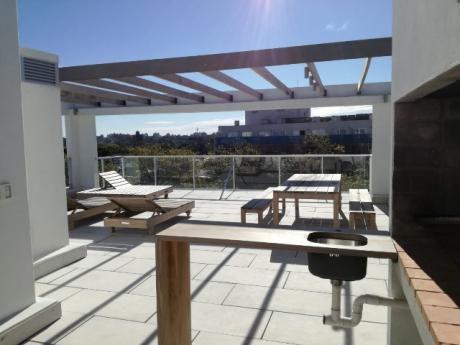 Monoambiente Precioso! Con Anafe, Aire Acondicionado, Balcón!
