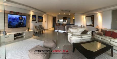 Penthouse De 3 Dormitorios Con Patio Y Piscina
