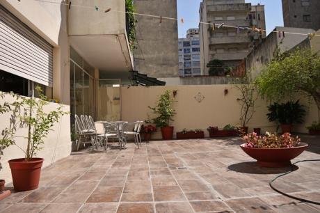 Se Vende Apartamento En Pocitos 3 Dormitorios, 2 Baños + Patio.
