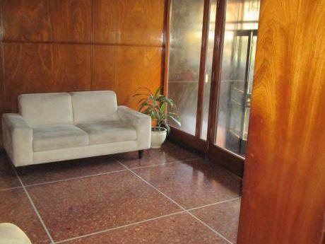 Excelente Apartamento 3 Dorm 2 Baños Servicio Completo Garage