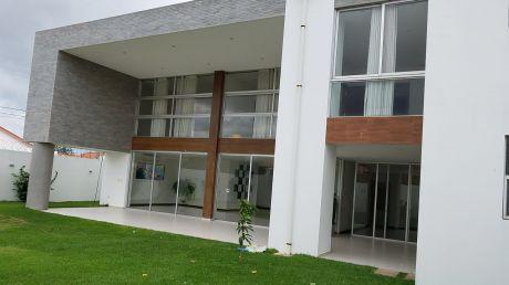 Hermosa Casa En Alquiler Zona Norte