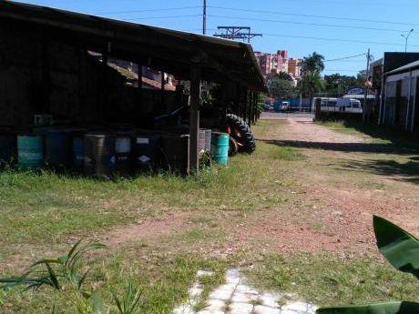 Terreno En Venta Con Galpones Y Oficinas Sobre Av. Banzer