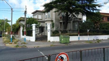 Venta Casa Luis A. De Herrera Ideal Colegio O Instituto