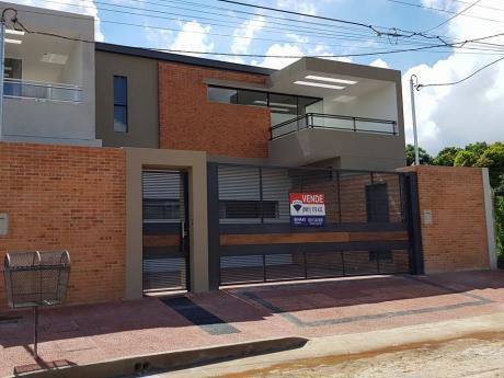 Fina Casa Pareada En La Zona Del Cit. Zona Alta