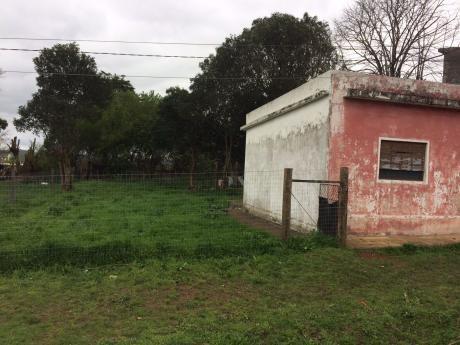 Gran Terreno De 311 M² Con Casa A Reciclar