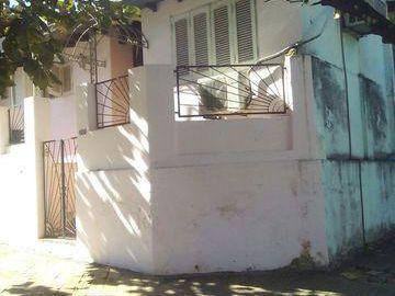 Vendo Casa Con Excelente Ubicacion En Sajonia E/ Esquina