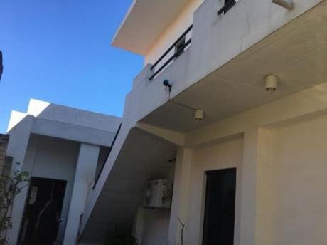 Vendo Hermosa Casa Con Dpto Independiente Y Consultorio
