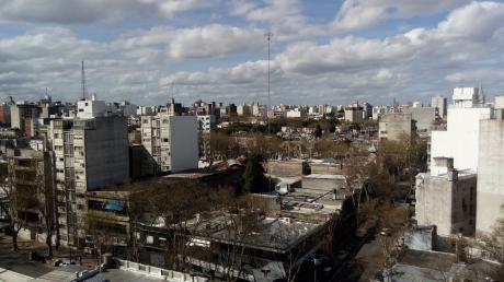 Penthouse En Zona De DiseÑo Con Amplia Terraza