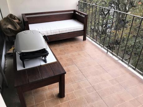 Venta Apartamento Tres Dormitorios Y Servicio.garage.pocitos