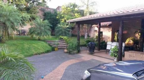 Vendo Casa En Excelente Ubicación, En En Centro De Asunción
