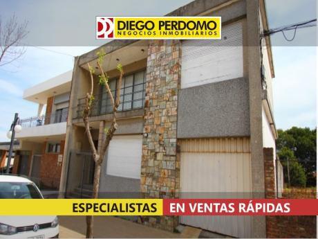 Casa En Venta. 3 Dormitorios, Ciudad De Libertad