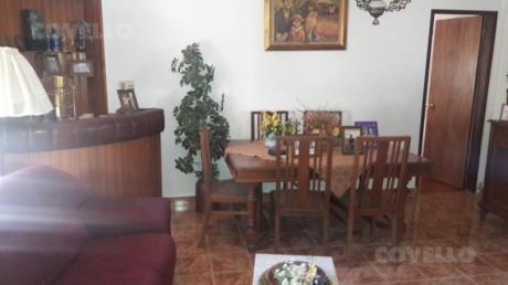 Casa En Carmelo, Muy Buena Ubicación En Zona De Playa Seré