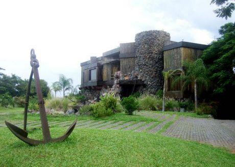 Oferta, Lambare, Unica Residencia En Su Estilo, En El Yath Y Golf Club