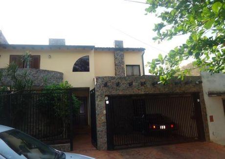 Hermosa Casa De Dos Plantas, Detras Del Ips, Bo. Los Mangales!!!
