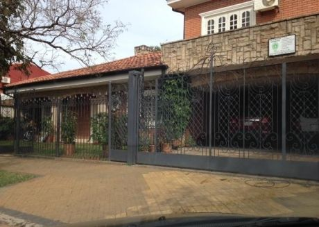 Vendo  Casa Toda En Planta Baja Bº Herrera!!!