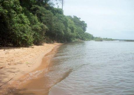 Vendo 33 Has De Terreno Sobre El Lago Ypacarai Y Sobre La Ruta Asfaltada