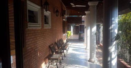 Casa Detras De Shopping El Portal