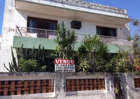 Vendo Casa Con Gran Terreno Cercanias Fndo. De La Mora Y Gral. Santos!!!