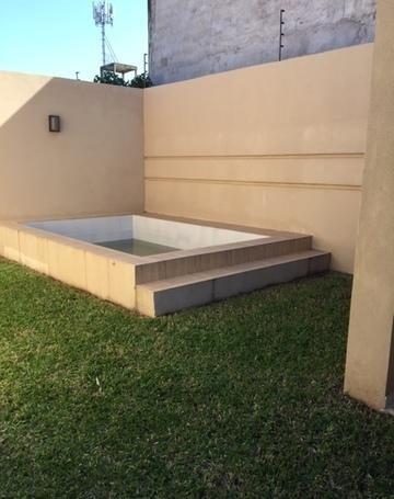 Vendo Casa C/piscina Zona Herrera!!!
